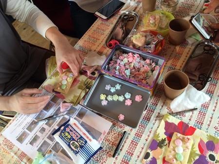 アイシングクッキーお花飾り.jpg